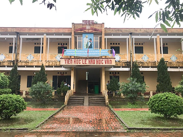 Trường THCS Phù Ủng, nơi xảy ra sự việc. Ảnh: Dương Tâm.