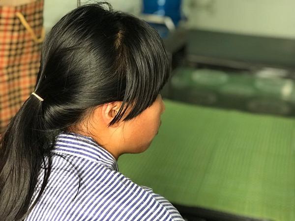 Nữ sinh bị đánhđang điều trị tại Bệnh viện Tâm thần kinh Hưng Yên. Ảnh: Bình An.