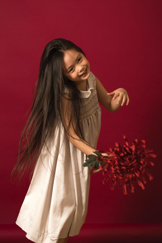 """<p> Vẻ hồn nhiên, đáng yêu của """"công chúa lai"""" nhà Đoan Trang.</p>"""