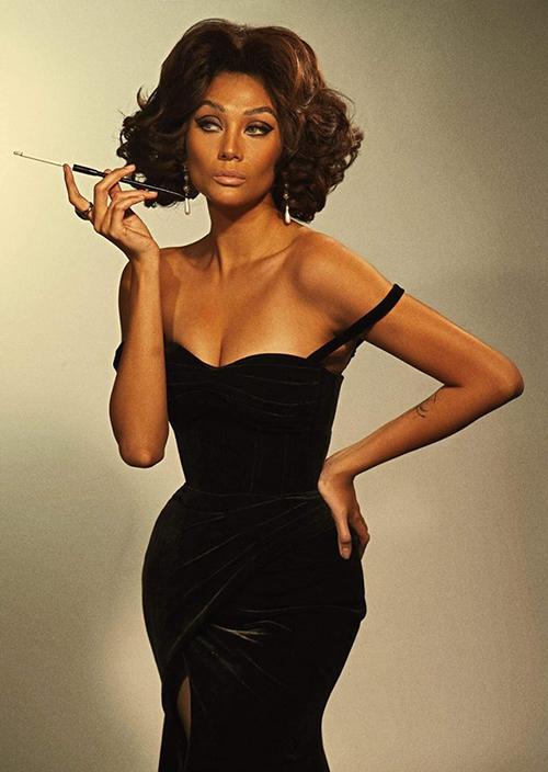 Võ Hoàng Yến đầy quyến rũ khi hóa thân theo hình tượng của biểu tượng sex - minh tinh Sophia Loren.