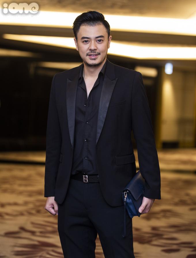 <p> MC Tuấn Tú trở lại màn ảnh nhỏ sau 9 năm với vai Quốc - ông bố đơn thân.</p>