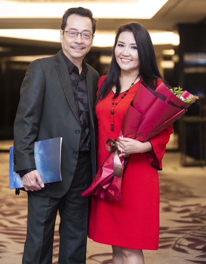 <p> Ngân Quỳnh và Hoàng Dũng là cặp vợ chồng trong <em>Về nhà đi con</em>.</p>