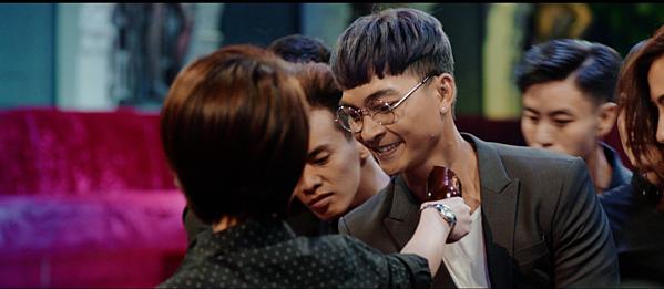 Diễn viên hài Thu Trang kêu gọi khán giả ngăn chặn hành vi quay lén Chị Mười Ba - 1