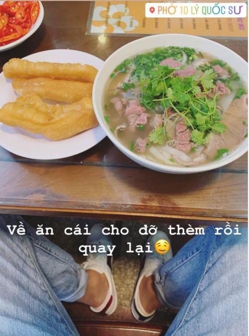 ... và thưởng thức món phở khi về Việt Nam.