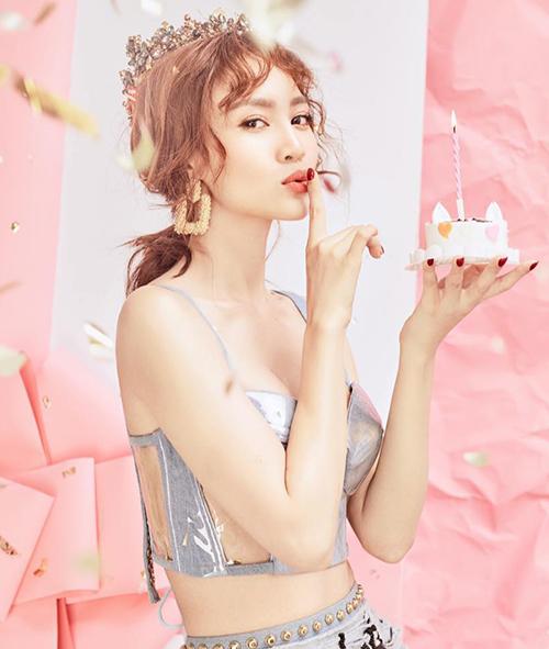 Lan Ngọc gợi cảm mừng sinh nhật tuổi 29.