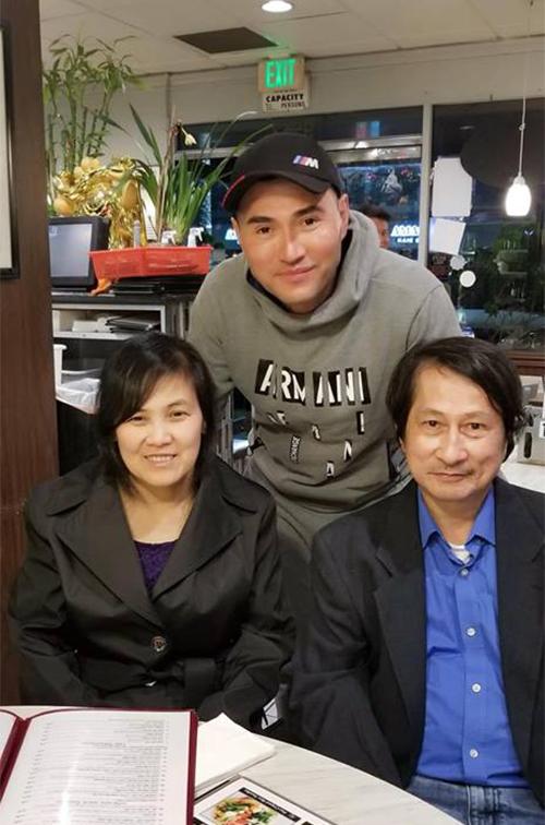 Leon Vũ gặp gia đình anh chị thứ 4 của Anh Vũ tại California.