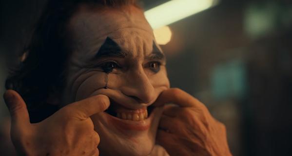 Phim chưa ra mắt nhưng Joker phiên bản Joaquin Phoenix đã gây ấn tượng qua teaser trailer.