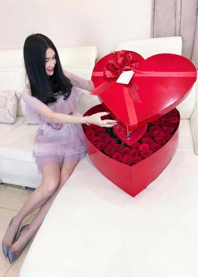 <p> Những món quà lãng mạn, độc đáo được bạn trai tự tay chuẩn bị cho Ngọc Loan.</p>