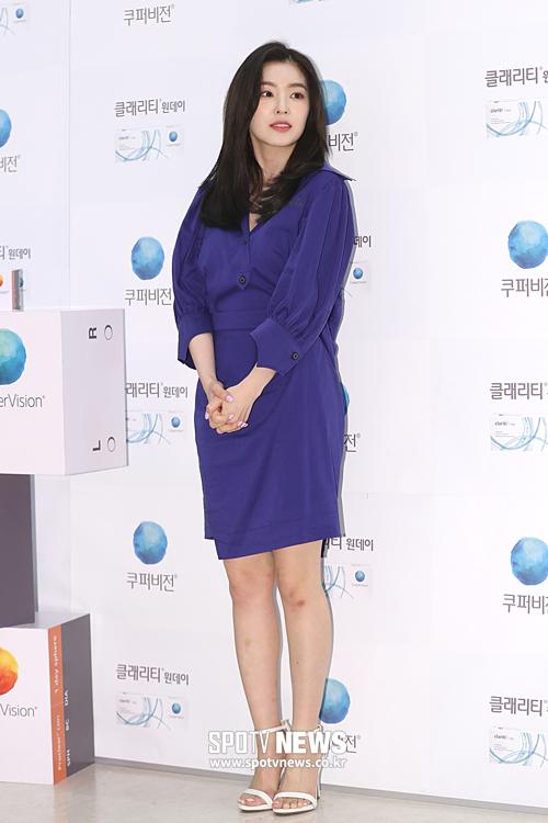 Nhiều người cho rằng, ở độ tuổi 28, Irene đã bước vào giai đoạn hạ cánh an toàn của một idol. Sự nghiệp và nhan sắc cô nàng đã đi qua thời đỉnh cao nên nếu có dấu hiệu xuống cấp cũng là điều dễ hiểu.