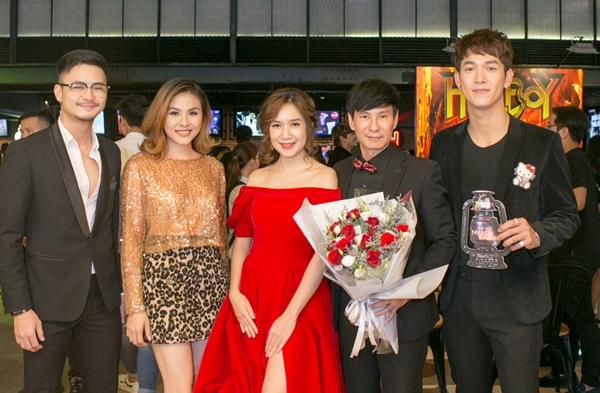 Vân Trang, Song Luân chúc mừng vợ chồng Lý Hải.