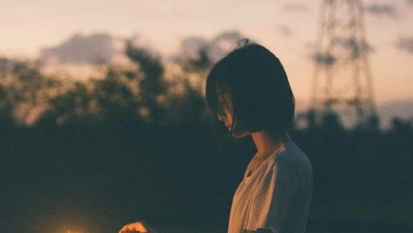 Những kiểu cô đơn mà khi lớn rồi, ai cũng sẽ trải qua