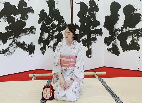 Thiều Bảo Trang xinh ăn đứt gái Nhật khi diện kimono.