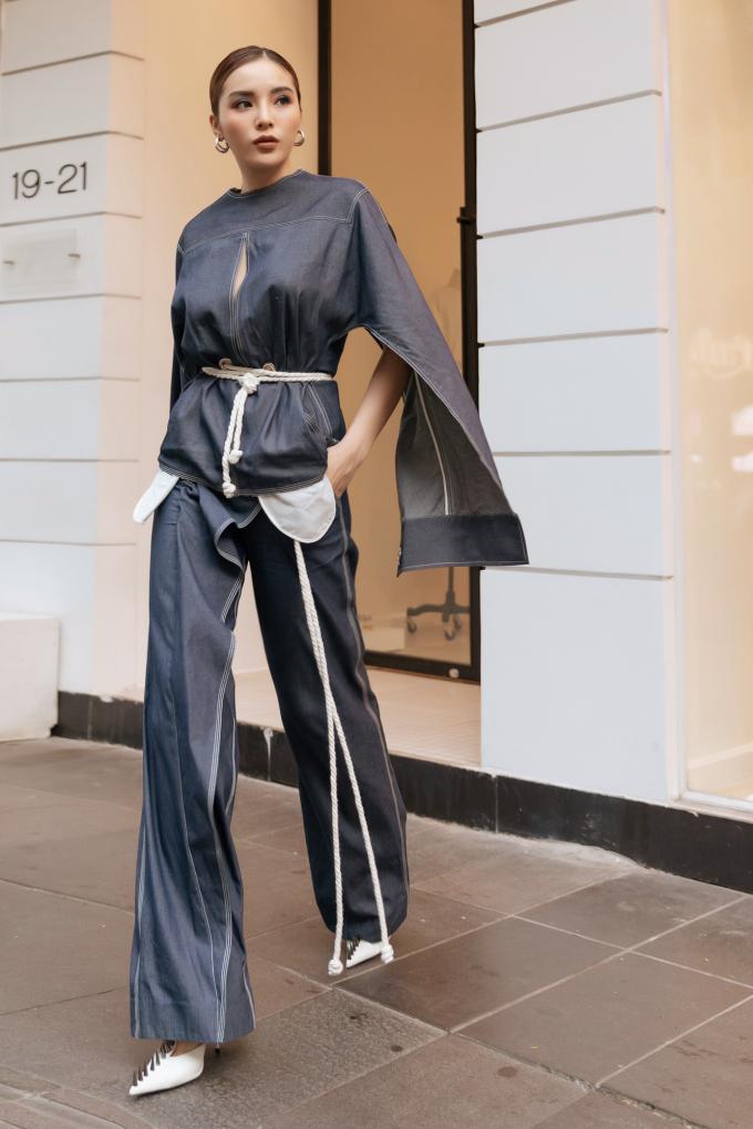 <p> Nhiều chân dài khác cũng đến chúc mừng Lâm Gia Khang, khoe nhan sắc và phong cách. Trong hình, Hoa hậu Kỳ Duyên vừa cá tính, vừa bay bổng.</p>