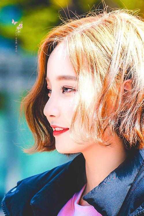 Nhan sắc của Yeon Woo là đề tài hot trong những tháng đầu năm 2019. Cô nàng đẹp cá tính hơnkhi cắt tóc.