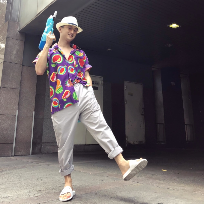 """<p> Hot boy Huy Ma cũng tham gia vào """"cuộc đấu"""" súng nước ở Thái Lan.</p>"""