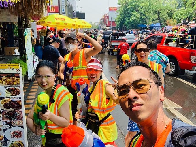 <p> Đường phố Thái Lan những ngày này náo nhiệt, tưng bừng hơn bao giờ hết.</p>