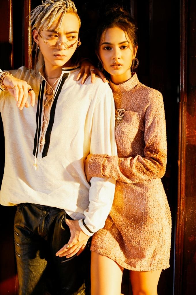 """<p> Soobin Hoàng Sơn vừa tái xuất Vpop trong 2019 bằng MV """"Đã đến lúc"""", cán mốc triệu view chỉ sau một ngày. Sản phẩm đánh dấu sự lột xác mạnh mẽ từ """"hoàng tử ballad"""" sang vẻ ma mị, cá tính. Ngoài chất nhạc bắt tai, MV gây chú ý khi có sự tham gia diễn xuất của một cô gái xinh đẹp trong vai người tình.</p>"""