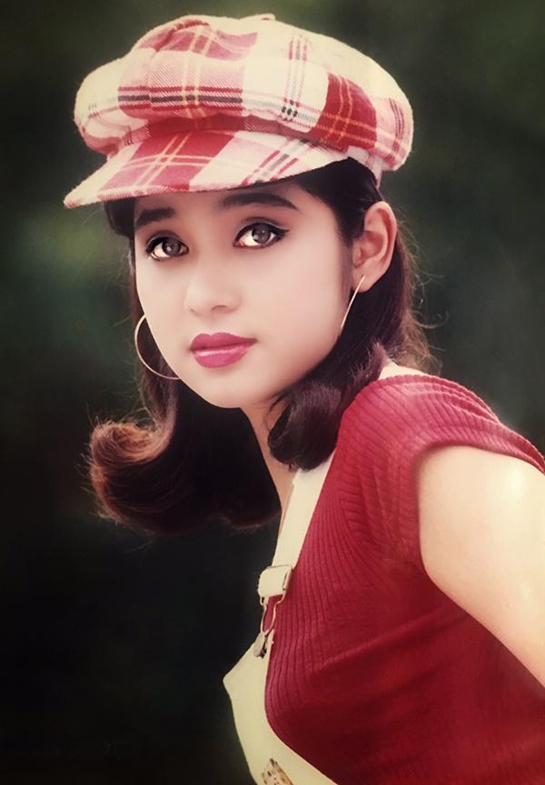 """<p> <strong>1. Việt Trinh</strong><br /><a href=""""https://ione.net/tin-tuc/sao/viet-nam/viet-trinh-dien-dam-cong-chua-khoe-nhan-sac-khong-tuoi-3905652.html"""">Việt Trinh</a> là một trong những """"đại mỹ nhân"""" có nhan sắc nổi bật thập niên 90 của thế kỷ trước. Nữ diễn viên gốc Bình Phước có gương mặt phúc hậu, đôi mắt to tròn, luôn ẩn chứa nỗi buồn xa xăm cùng đôi môi mọng, làn da bánh mật.</p>"""