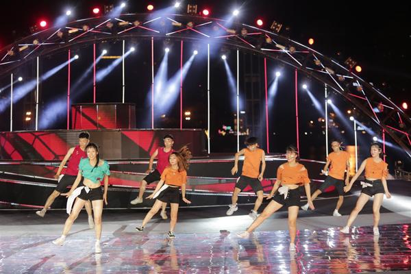 Các sinh viên sẽ có dịp tranh tài ở cuộc thi Flashmob đầy sôi động mang tên