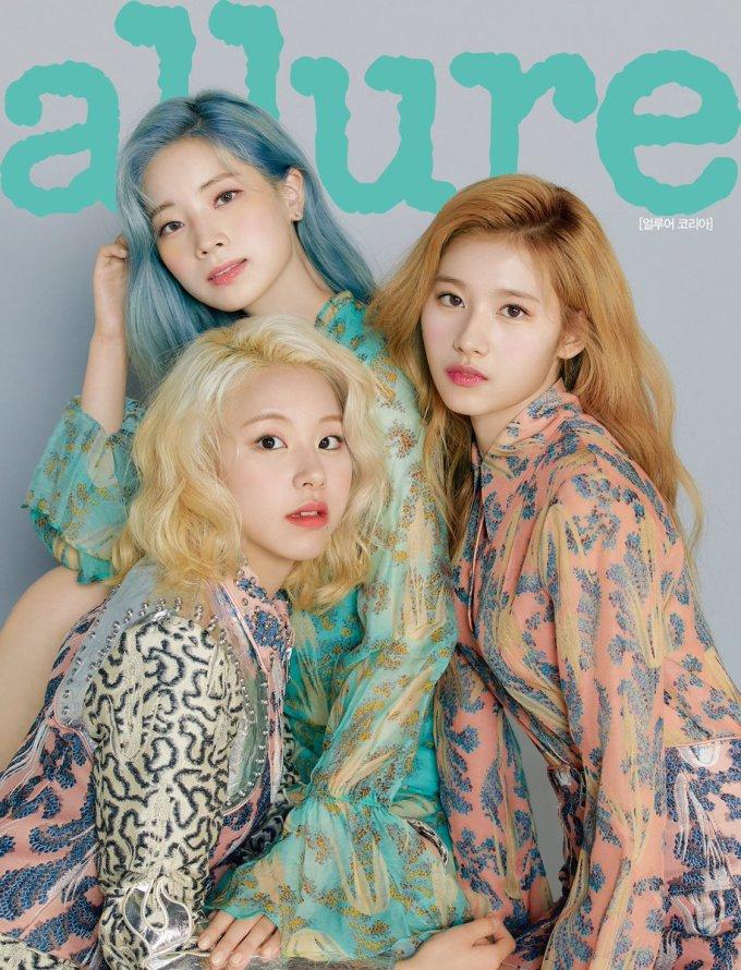 <p> Nhóm thành viên có tóc màu nổi gồmDa Hyun (tóc xanh), Chae Young (tóc vàng hoe) và Sana có bức ảnh ấn tượng nhất.</p>