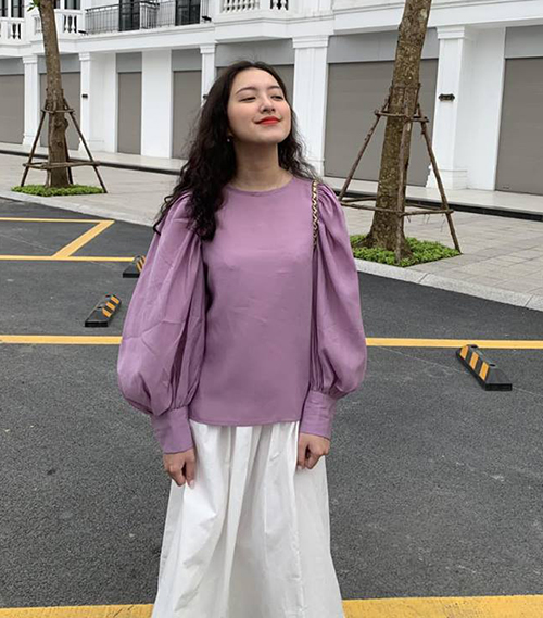 Nếu có làn da trắng, bạn có thể diện tông tím lavender trơn.