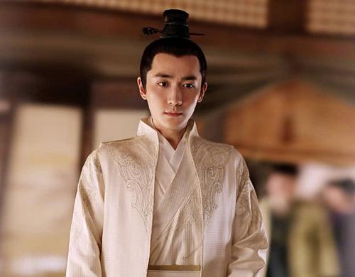 Sự ảnh hưởng của Chu Nhất Long trong phim thậm chí còn vượt qua cả nam chính Phùng Thiệu Phong. Tạo hình của Chu Nhất Long trong phim giản dị với các trang phục đơn sắc nhưng không làm mờ được khí chất của một soái ca si tình như Tề Hành.