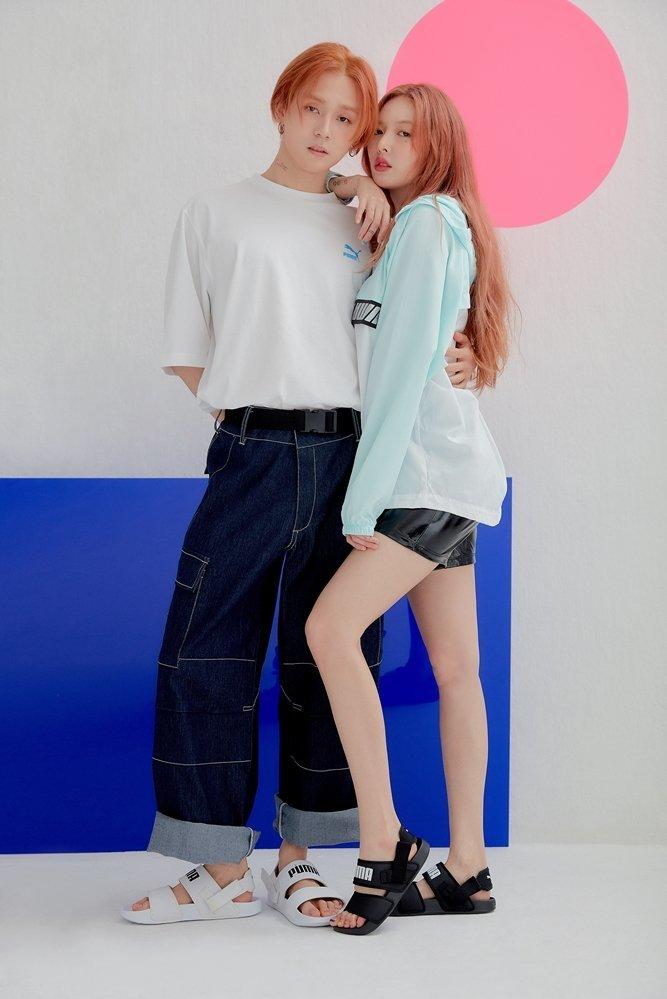 """<p> Cặp đôi Hyun Ah - E'Dawn tung bộ ảnh quảng cáo cho thương hiệu thể thao. Khác với phong cách ''dị dị"""", khó hiểu thường thấy, hai thần tượng trở về ''nhan sắc thực'' khi mặc đồ đơn giản, khỏe khoắn, tông trang điểm nhẹ nhàng.</p>"""