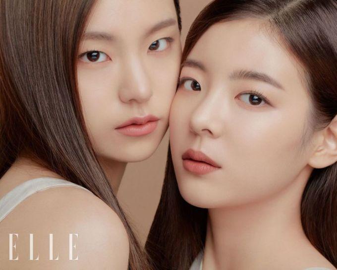 <p> Với tông trang điểm trong suốt, Yeji và Lia khoe làn da căng bóng, khỏe khoắn. Họ cũng là hai thành viên thường xuyên được khen ngợi nhờ mặt mộc.</p>