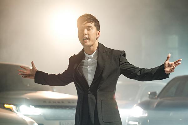 Hình ảnh Ưng Hoàng Phúc trong MV.