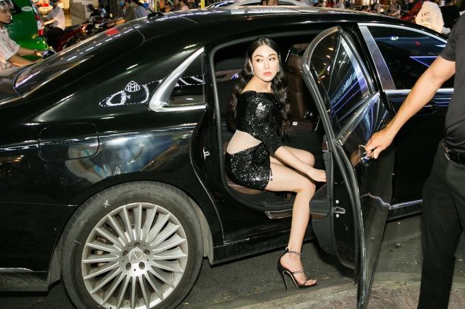 <p> Hoa hậu Áo dài Tuyết Nga kiêu sa đến sự kiện.</p>