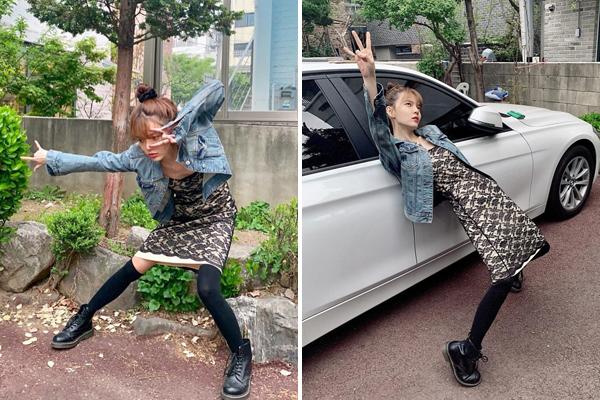 Ji Min (AOA) thích pose hình độc chọc cười fan. Cô nàng lộ vóc dáng còm nhom.