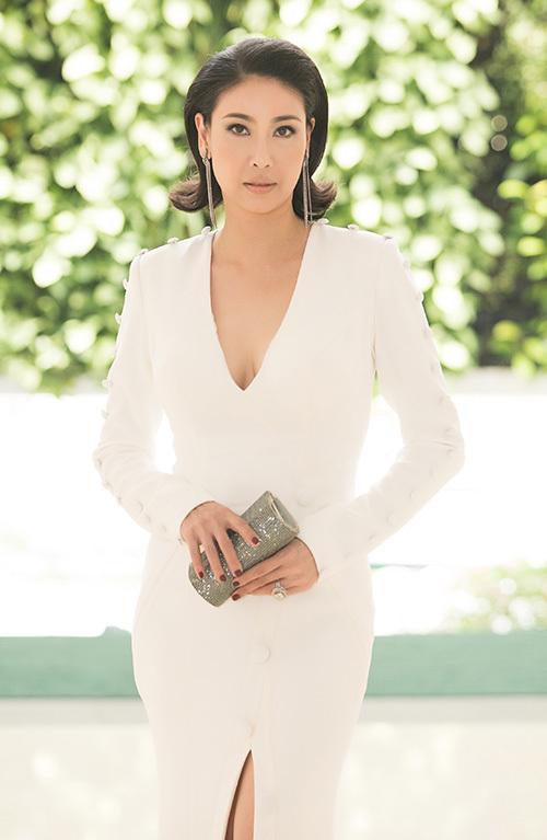 Hoa hậu Hà Kiều Anh là một trong những người cầm cân nảy mực ở cuộc thi.