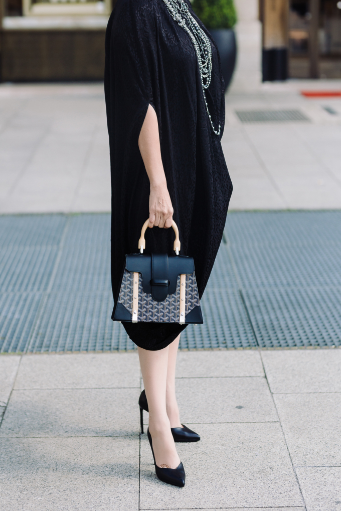 <p> Mẫu túi có thiết kế lạ mắt này đến từ thương hiệu Goyard, có giá khoảng 5.000 Euro (tương đương 130 triệu đồng).</p>