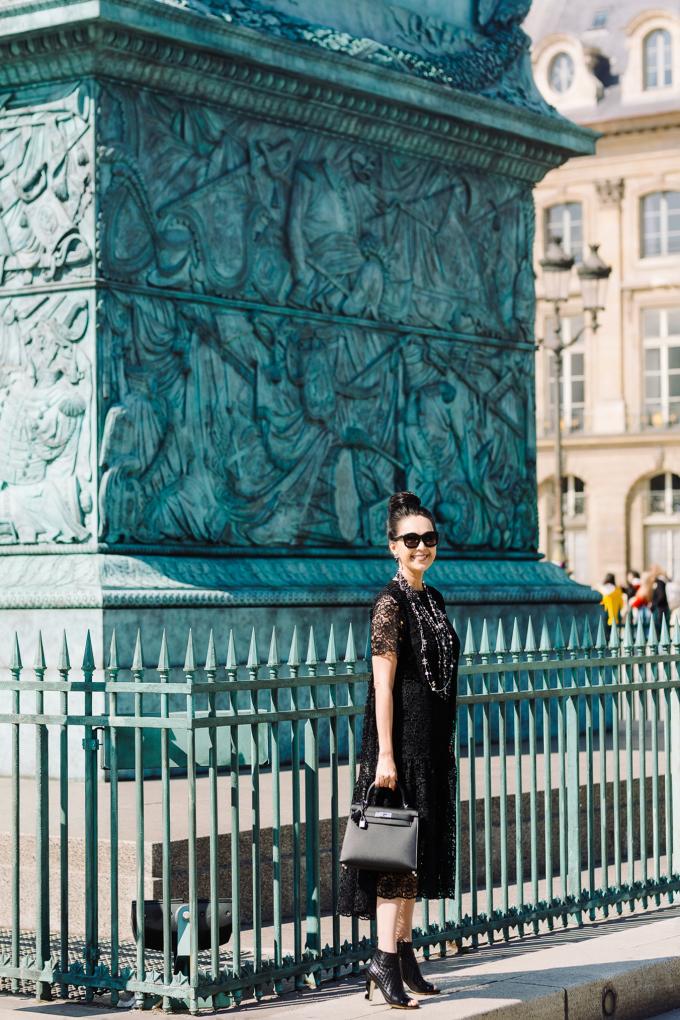 <p> Cũng trong chuyến đi Pháp, người đẹp còn sắm một chiếc túi Kelly Hermes size 28 với giá 7.750 Euro (hơn 200 triệu đồng).</p>