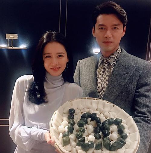Son Ye Jin và Hyun Bin xác nhận hợp tác trong drama mới.