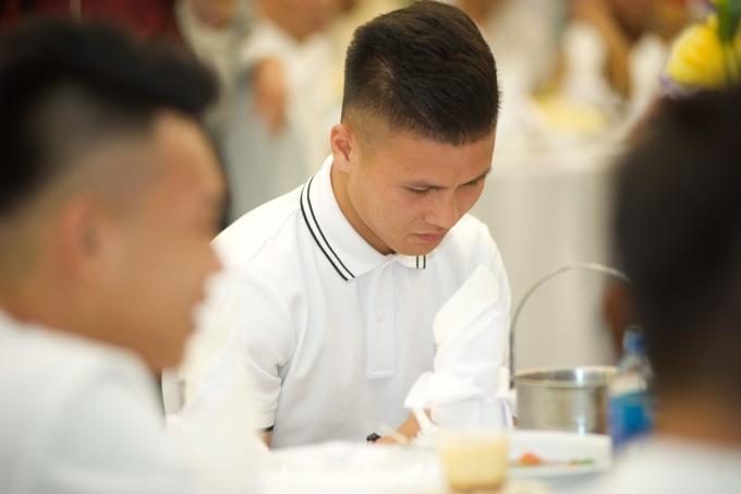 <p> Tiền vệ Nguyễn Quang Hải.</p>