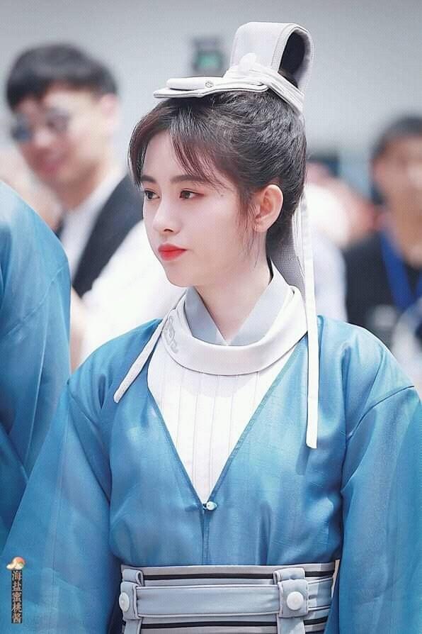 <p> Ngày 23/4, bộ phim <em>Vân Thượng học đường</em>hay còn gọi là <em>Sungkyunkwan Scandal</em> phiên bản Trung đã khởi quay. Người được chọn vào vai nữ chính là Cúc Tịnh Y. ''Mỹ nhân 4.000 năm có một'' xuất hiện với tạo hình giả trai.</p>