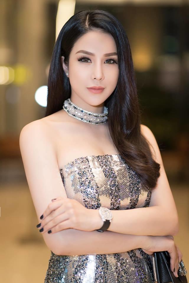 <p> Diệp Lâm Anh sở hữu chiếc đồng hồ Graff 1,7 tỷ đồng.</p>