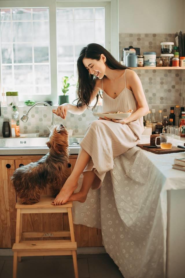 <p> Ngoài vai trò là một người mẫu lookbook, Mai Vân Trang còn có kênh Youtube riêng để chia sẻ các bí quyết làm đẹp.</p>