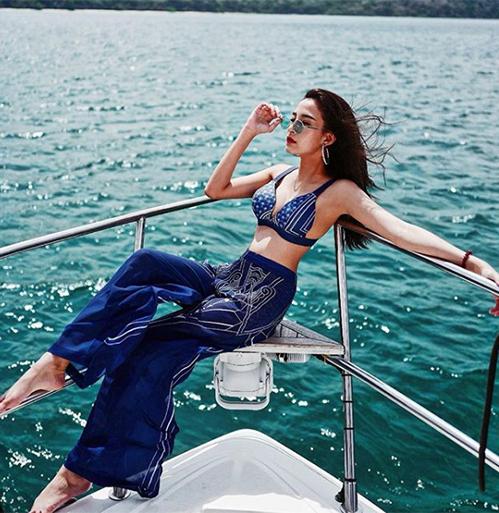 5 kiểu đồ đáng sắm chứng minh đi biển không chỉ có bikini - 5