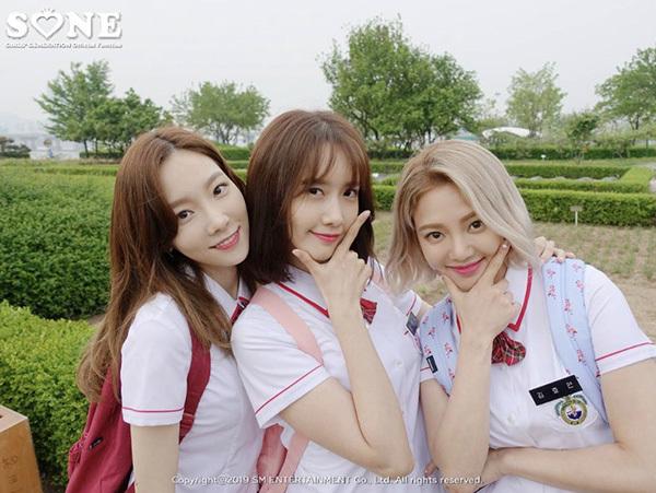 Tae Yeon và Hyo Yeon là khách mời cho clip của Yoon Ah. Các thành viên SNSD chứng minh đẳng cấm visual hàng đầu Kpop.