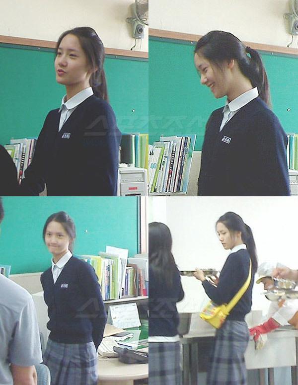 Những hình ảnh thời đi học cấp 3 của Yoon Ah lại một lần nữ gây sốt. Mỹ nhân nhà SM không thay đổi nhiều so với hiện tại, giữ nét đẹp tự nhiên không cần chỉnh sửa.