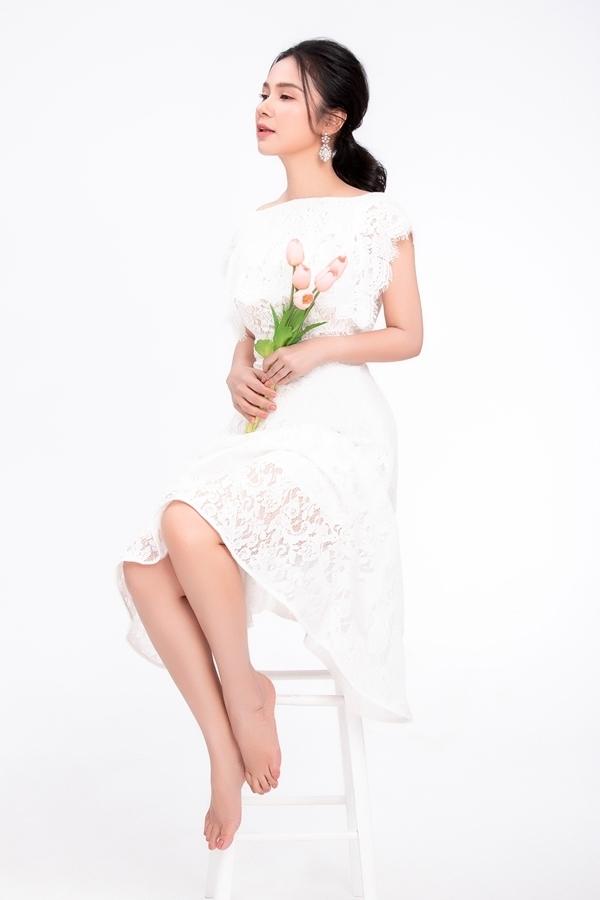<p> Mới đây, Việt Trinh được mời làm người mẫu cho một bộ sưu tập thời trang. Ở tuổi 47, Việt Trinh vẫn giữ được nhan sắc trẻ trung, xinh đẹp.</p>