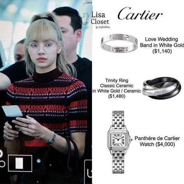 Thành viên sành điệu của Black Pink còn sở hữu một chiếc Panthére de Cartier có giá khoảng 93 triệu đồng chung thiết kế kiểu cổ điển, nhỏ gọn dễ kết hợp quần áo.