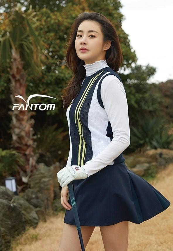 <p> Kang Sora đang nắm trong tay 11 hợp đồng quảng cáo từ đồ thể thao, trang phục chơi golf, mặt nạ dưỡng da, mỹ phẩm, nước hoa hàng hiệu... Hiện tại, Sora không đóng nhiều phim nhưng lại bận rộn với những lịch quay quảng cáo, tham gia sự kiện.</p>