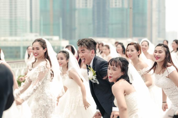 """<p> Hình ảnh một """"ông hoàng nhạc Việt"""" cái gì cũng có trong tay, chỉ riêng vợ là vẫn chưa khiến fan càng thêm chờ đợi tin vui. Với thông điệp qua dự án """"Vợ tương lai"""", Đàm Vĩnh Hưng phần nào giải thích lý do vì sao mình vẫn còn độc thân đến giờ.</p>"""