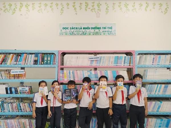 Mỗi trường sẽ tự thiết kế lại thư viện trường, cũng như không gian bên ngoài theo tiêu chí Đẹp – Năng động. Sau hơn 3 tháng tranh tài, 44 trường học tại Bến Tre đã tham tha và cải tạo lại thư viện. Ban tổ chức đã chọn ra được  1 giải nhất, 1 giải nhì, 2 giải ba, 5 giải khuyến khích và 1 giải cộng đồng mạng yêu thích. Tổng giá trị giải thưởng lên đến hơn 370 triệu đồng. 1.200 quyển sách được quyên góp được chia đều cho thư viện của các trường Tiểu học, Trung học trên địa bàn tỉnh.