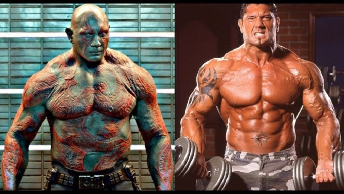 """<p> Nhân vật """"Kẻ hủy diệt"""" Drax do tài tử sinh năm 1969 Dave Bautista thể hiện. Vốn là một võ sĩ đô vật chuyên nghiệp, Bautista rất hợp với vai Drax mình đầy cơ bắp cứng như sắt thép trong đội Vệ binh dải ngân hà.</p>"""