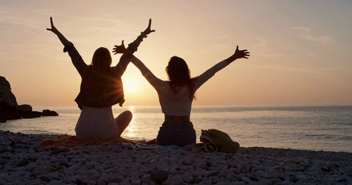 8 cặp hoàng đạo chứng minh tình bạn đôi khi còn lãng mạn hơn cả tình yêu (P.1) - 1
