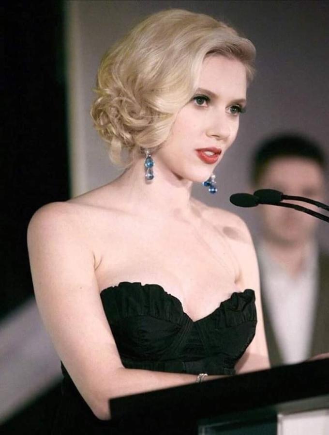 <p> Nữ diễn viên là tiêu chuẩn vẻ đẹp thời bấy giờ của giới trẻ Mỹ.</p>